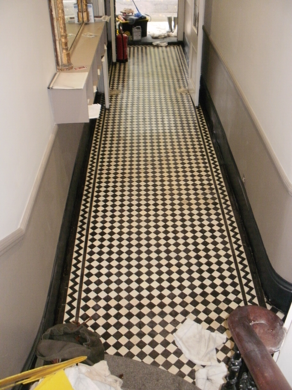 Victorian-Tile-After-Cleaning-in-London