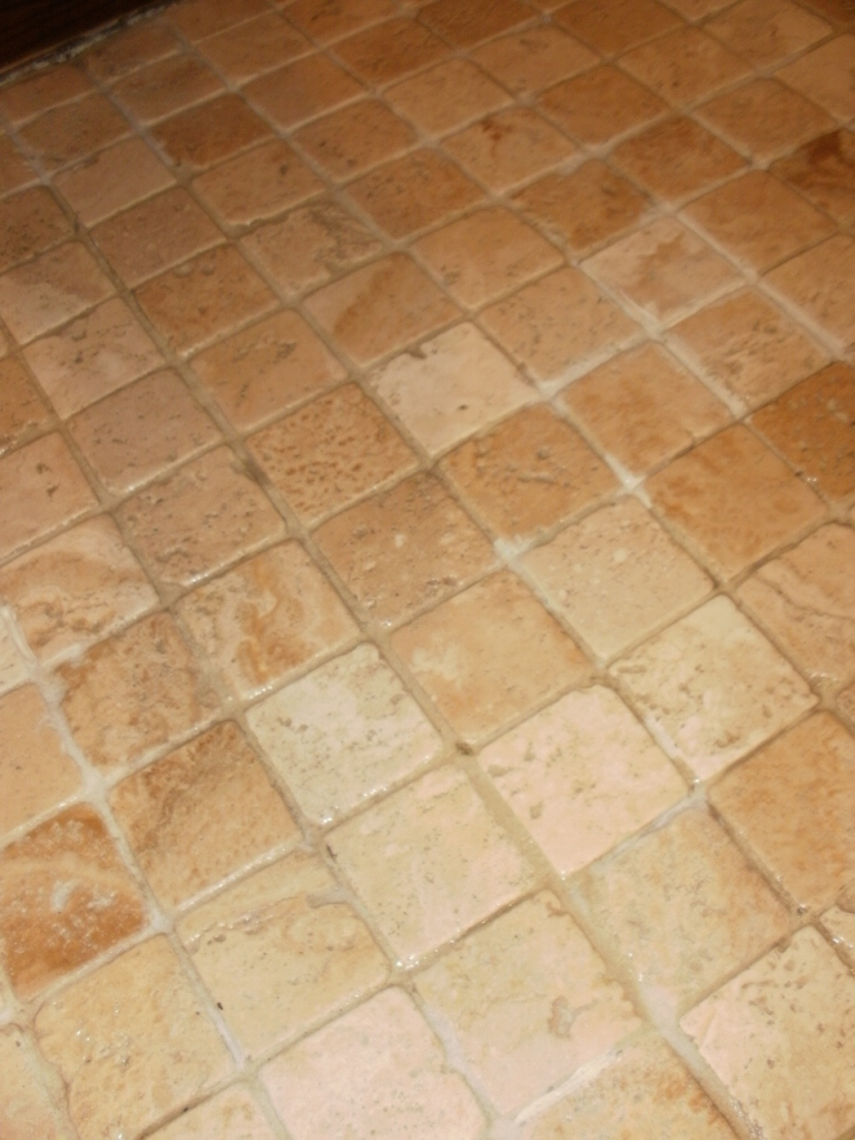 Tumbled stone floor tile